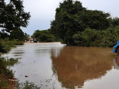 Chuvas e atoleiros fazem faltar combustíveis em cidades de MT