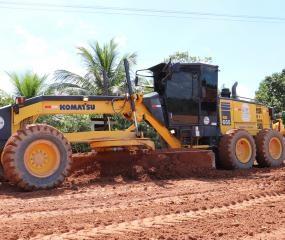 Secretaria de Obras recupera vias do Bairro Beira Rio