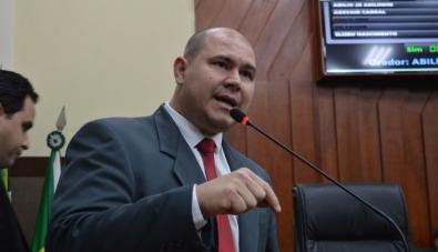 Juiz dá 72 horas para Câmara explicar cassação de vereador em Cuiabá