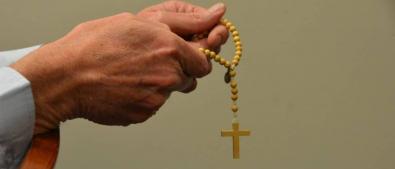 Padre é acusado de abusar de fieis dentro de igreja em MT