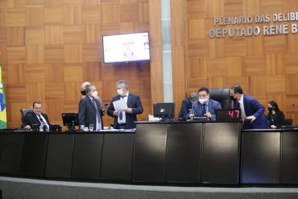 Deputados alongam discussão para votar reforma da Previdência