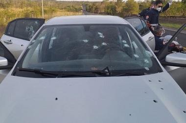 Quatro homens morrem em tiroteio com PMs na estrada de Manso