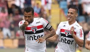 Pato brilha e São Paulo emplaca primeira goleada sob comando de Diniz