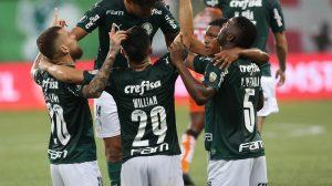 Com golaços de Veron, Palmeiras atropela Delfin e avança às quartas da Libertadores